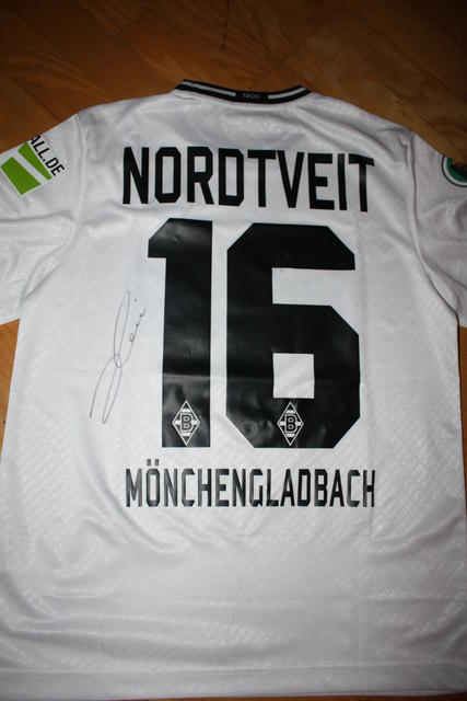 Nordtveit home shirt